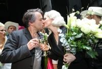 19.02.2014    Ronacher Wien    VBW - Musical, Premiere, <br>im Bild:<br> Pia Douwes, Uwe Kr&ouml;ger -Backstage, B&uuml;hne