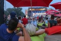 14.-15.08.2015 |  Alberner Hafen/Donau |  Musikfestival in Simmering<br>im Bild:<br> 15:08: Übersicht, Stimmung, relexendes Publikum