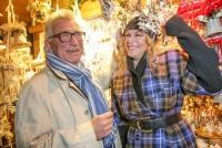 21.11.2015 |  Weihnachtsdorf Maria-Theresien-Platz |  Wiener Adventspaziergang mit Natalia Ushakova und Heinz Marecek | Robin Consult<br>im Bild:<br> Natalia Ushakova, Heinz Marecek