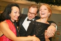07.11.2016 |  Wiener Ronacher |  Gala-Abend zum Theaterpreis<br>im Bild:<br> Sona MacDonald, Florian Teichtmeister, Bea Brocks -Aftershow-Party im Hotel Le Méridien