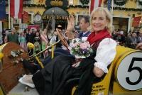 23.04.2018 |  Marchfelderhof/Deutsch-Wagram |  an die Spargelk&ouml;chin des Jahres 2018<br>im Bild:<br> Dagmar Koller,