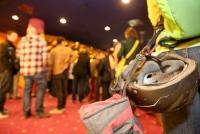 19.03.2014 |  Village Cinema |  Film Premiere -filmladen <br>im Bild:<br> Besucher mit Bergsteiger-Helm, Stimmung