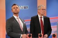 24.04.2016 |   Wiener Hofburg |  die Bundespräsidentschaftswahl 2016 in Österreich<br>im Bild:<br> Norbert Hofer -Stichwahl-Kandidat –FPÖ, Alexander Van der Bellen -Stichwahl-Kandidat  -im Medien Zentrum