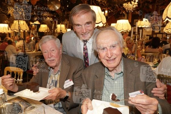 22.08.2019 |  Marchfelderhof/Deutsch-Wagram |  Welcome Dinner für European Magic Historie Conference<br>im Bild:<br> Hap Korsen -Zauberhistoriker, Magic Christian, Edwin A. Dawes -Zauberhistoriker,
