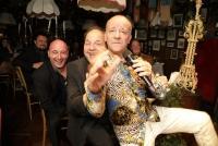 18.11.2019 |  Marchfelderhof/Deutsch-Wagram |  Verleihungszeremonie v. Wiener K&uuml;nstlerclub<br>im Bild:<br> Andy Lee Lang, -a d B&uuml;hne, Gerald Pichowetz, Christoph F&auml;lbl,