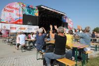 20.09.2020 |  Donauinsel – Neue Donau | 37. Donauinselfest, Musik Festival in Covid19 Zeiten<br>im Bild:<br>Publikum, Übersicht u. Stimmung -Festbühne